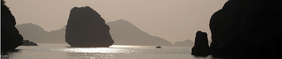 2011-Apr-Vietnam-091-CatBa_und_Halong_Bucht-Zurück_in_der_Dämmerung