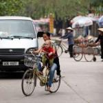 Thanh Son - Felix mit Guide beim Fahrradfahren