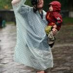 Hue - Das Tu Duc Grab - Uli und Felix im Regen