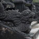 Hue - Das Khai Dinh Grab - Drachengeländer