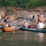 Waschen am Fluss