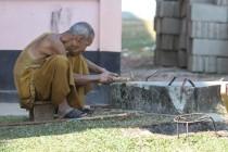 Mönch bei der Arbeit