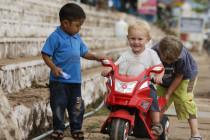 Luca auf geliehenem Elektromotorrad