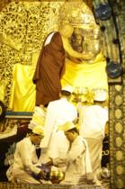 Buddha waschen