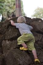 Luca klettert