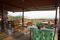 Terrasse mit Blick auf Pha Ku Hill