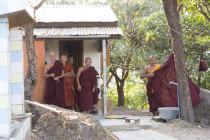 Mönche beobachten uns