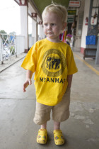 Luca in gelb